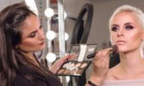 Du học Úc ngành Makeup - Nên chọn trường nào?