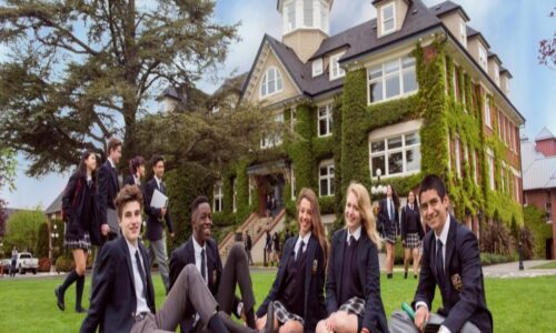 Danh sách top 10 các trường đại học ở Canada năm 2021