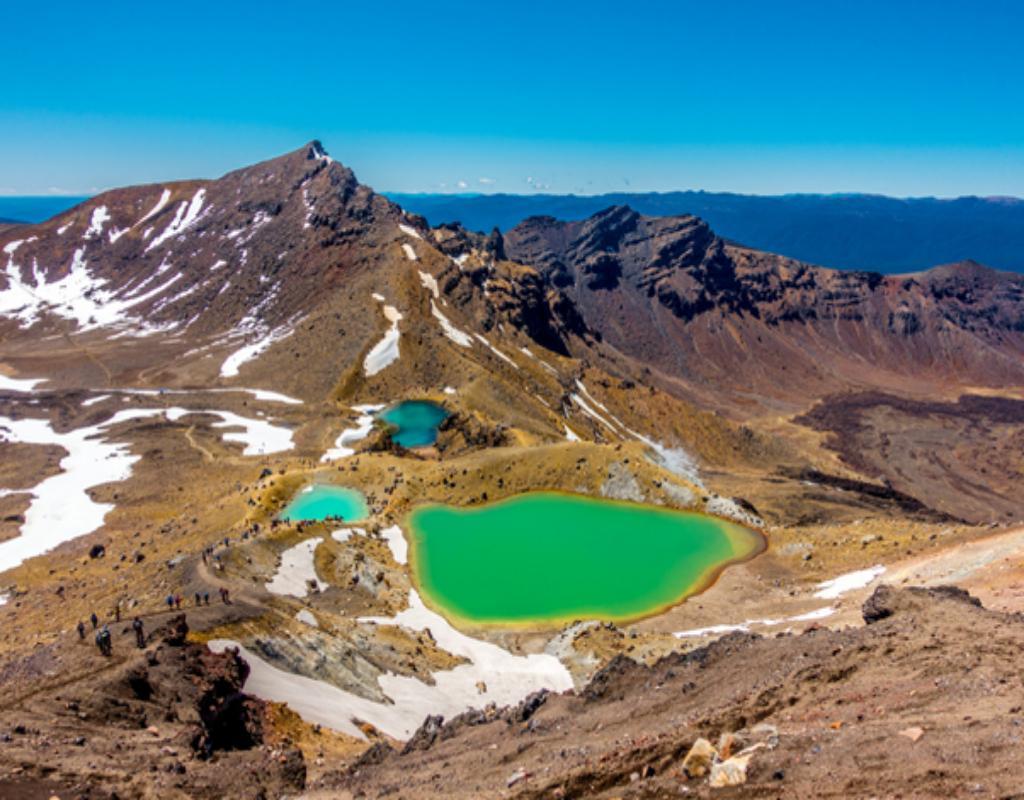 Công viên quốc gia Tongariro được xem như viên ngọc quý của New Zealand