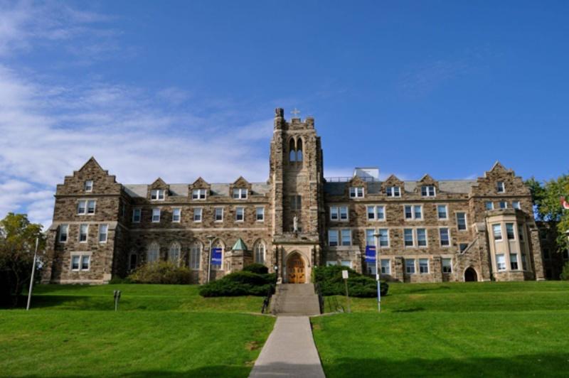 Đại học Western ngôi trường thu hút một lượng lớn sinh viên theo học.