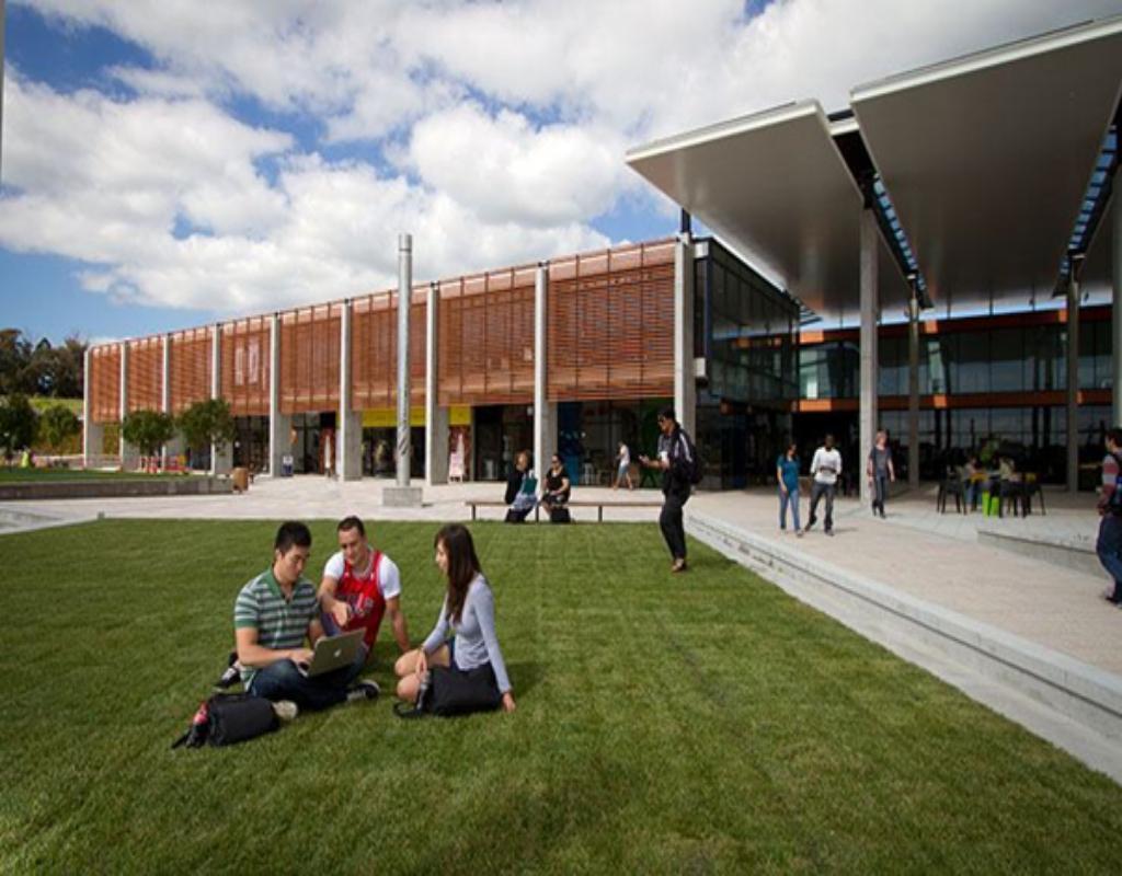 Trường Đại học Auckland nằm ngay trung tâm thành phố Auckland