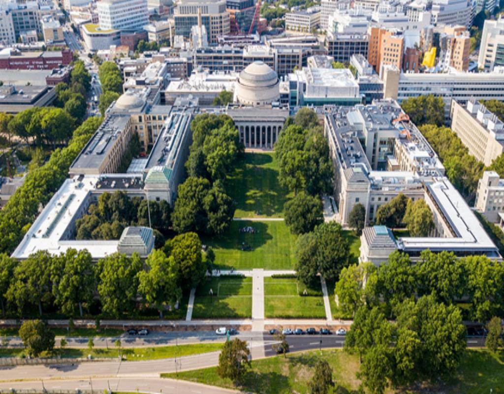 """Viện Công nghệ Massachusetts - """"Thánh địa"""" cho người yêu thích kỹ thuật hàng không"""