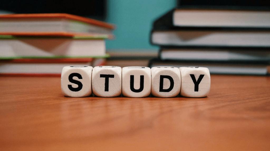 Những câu nói hay về học tập bằng tiếng Anh
