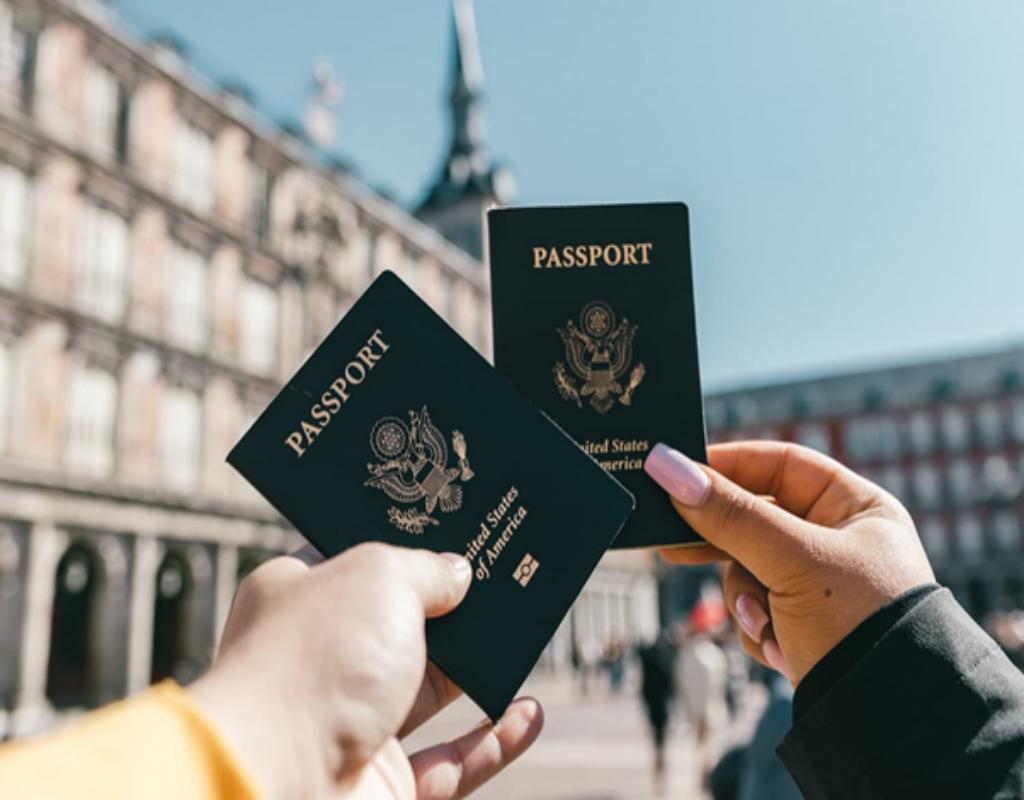 Liên hệ tới cơ quan nhà nước làm việc để cấp lại hộ chiếu
